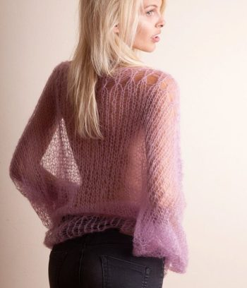 Bluza diafana usoara de culoare roz